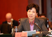 贵州代省长谌贻琴参加本省代表团讨论