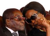 津巴布韦将开发布会 总统或宣布下台换妻子安全