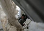 以色列向哈马斯军火库发动空袭 宣布关闭边境口岸