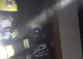 萍乡居民楼凌晨火灾多人被困 消防生死大营救