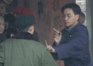 张国荣《霸王别姬》拍摄花絮曝光 现场比划动作超认真