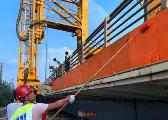 迎接世界VR产业大会 南昌大桥换装展新容