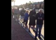拉斯维加斯枪击案后 民众一早排队献血