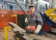 李万君:凭一支焊枪为中国提速