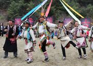 涅槃休溪:云朵上的羌寨里,鼓、舞传承