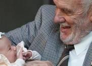 男子血液含稀有抗体 捐血60年救240万婴儿