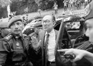 马来西亚前副总理安瓦尔获释 马国上演敌友轮回大戏