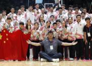 毫无素质!韩男篮颁奖礼摘奖牌 还教唆外援一起摘