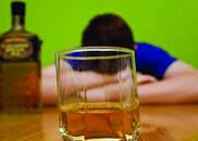 诱使未成年饮酒应施重典