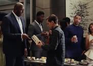 厉害了!小蜘蛛侠与偶像邓肯观战NBA总决赛