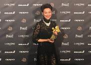 视频-最佳女主:惠英红 《血观音》导演调侃自己年龄