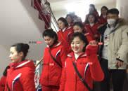 微笑杀!朝鲜拉拉队员热情对凤凰网体育招手