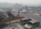 加州史上最大火灾,废墟中邮差依旧挨家挨户送信