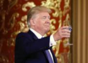 美媒曝光尴尬细节:特朗普曾令蒂勒森在国宴吃沙拉