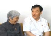刘奇在萍乡调研:看望龚全珍 与贫困群众亲切交流