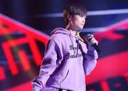 视频:李宇春现场演唱《下个路口见》,引燃全场!