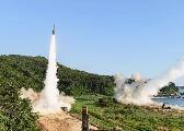 文在寅:韩美商定解除导弹弹头重量限制