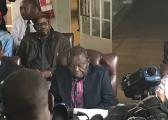 津巴布韦反对党领袖敦促总统穆加贝立刻下台