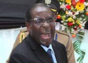 电视讲话最后,穆加贝不忘调侃:好长的讲稿