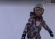 马蓉晒儿子滑雪视频放话:我儿子说永远保护妈妈