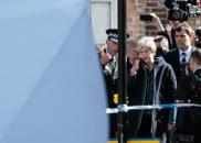 英首相亲赴俄罗斯前间谍中毒案现场 了解案件进展