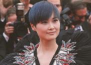 戛纳开幕:李宇春获多次官方镜头 毯星现戏精式假摔