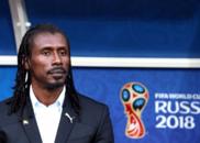 本届世界杯唯一黑人主帅 最年轻最时髦最帅