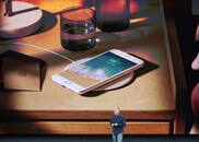 苹果iPhone 8正式发布:采用玻璃后壳,9月22号开卖