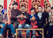 """视频:姜武张嘉译当场包饺子,""""生逢四兄弟""""齐聚!"""