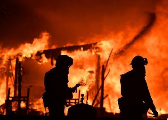 加州大火灾情持续扩大 上百人失联