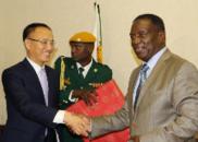 新总统上任后会见的首个外国特使,来自中国