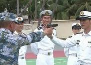 《红海行动》赴海军部队慰问 主创向战士讨教招数