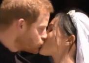 """唯美!哈里王子与梅根教堂前上演""""世纪之吻"""""""