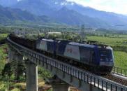 """从""""火车没有汽车快""""到高铁入滇 铁路加速云南发展"""