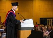 刘强东在清华大学演讲:自嘲讲英语只有太太能听懂