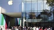 新iPhone发售:普通版遇冷 最贵版热卖