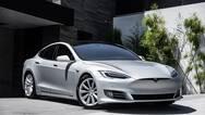 """Model S行驶途中意外起火 特斯拉回应""""极其罕见"""""""