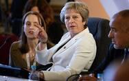 """英国大臣接连愤然出走""""逼宫"""" 梅姨:说好的硬脱欧呢?"""