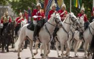 英国调整兵役政策,军队所有战斗序列岗位将向女性开放