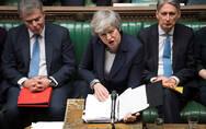 """谁都不愿先转向 英国脱欧困局已成一场""""懦夫游戏"""""""