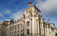 两名中国游客在德国行纳粹礼犯了法,德国媒体和民众怎么看