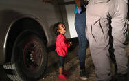 """从""""筑墙""""到""""零容忍"""":美国移民政策下的边境孤儿"""