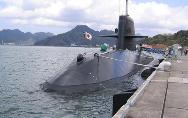 日潜艇首赴南海演练映衬下的日本外交:步步为营,见缝插针