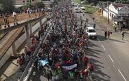移民大军借道墨西哥逼近美边境 特朗普威胁出兵封锁边界