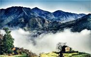 大峡谷村:依山而建 典型的昌北民俗风