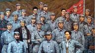 第一套红军正规军服为中山装列宁帽 红五星是布的