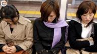 日本女人特殊减压方式曝光!真是太开放了