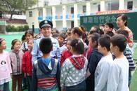 """平安社区""""守护神"""" 蚌埠一民警扎根基层15年管理治安"""