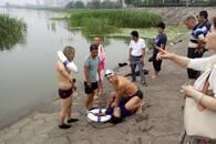 36岁女子汉江轻生 又是长江救援队救人一命