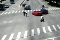 """挡车护老人过马路 山东一司机被赞""""最美让路哥"""""""